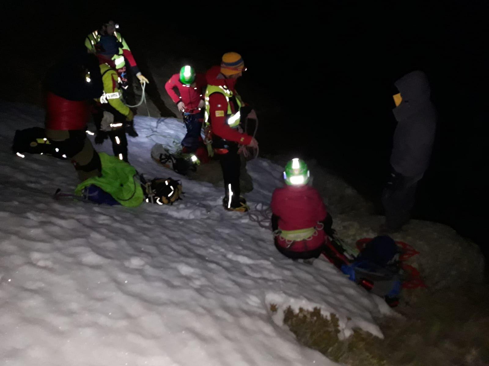 RIBORDONE - Due ragazzi dispersi in quota sono stati salvati nel cuore della notte - FOTO