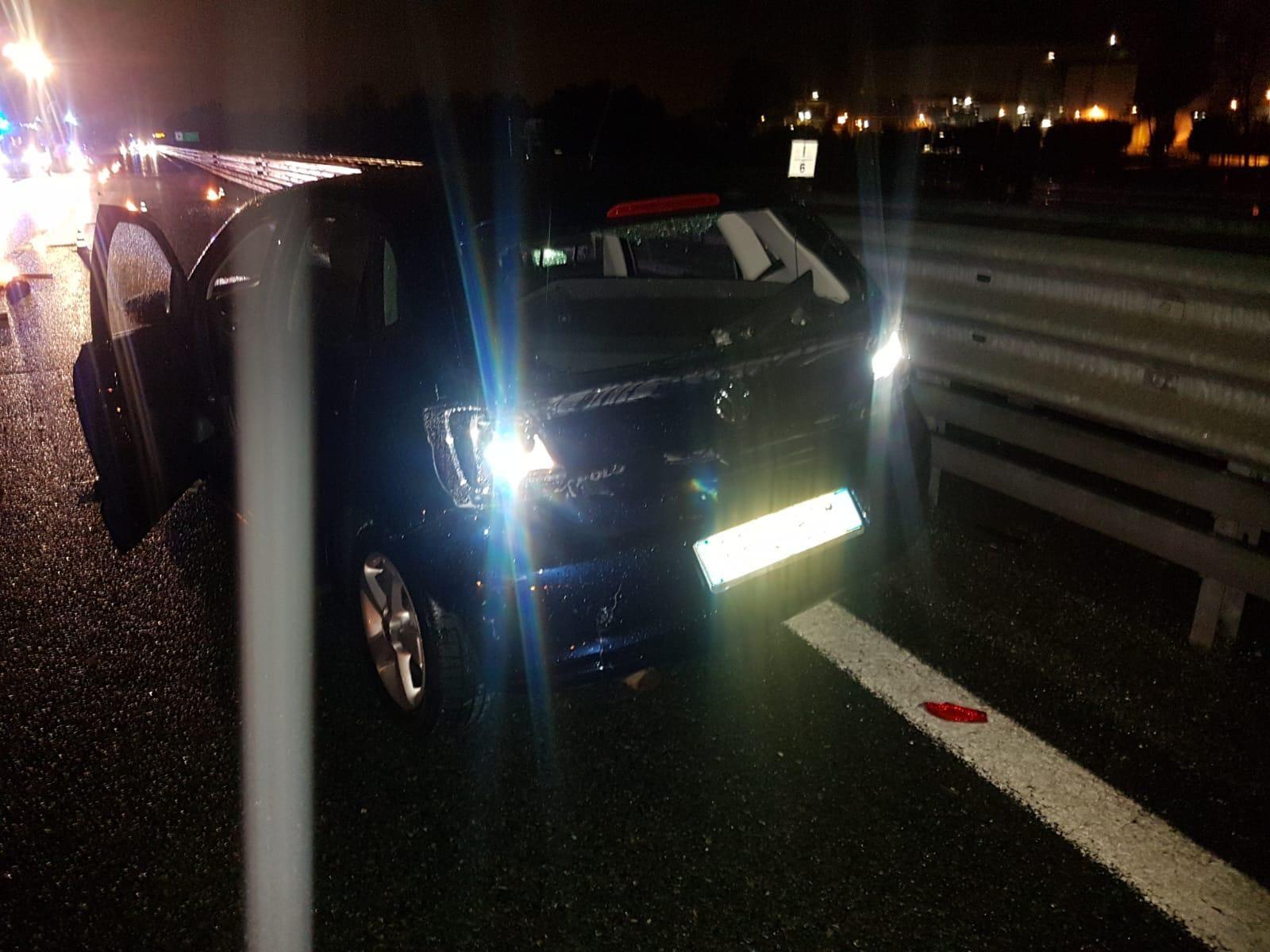 AUTOSTRADA A5 - Incidente stradale a Volpiano: tre feriti trasportati in ospedale a Chivasso - FOTO