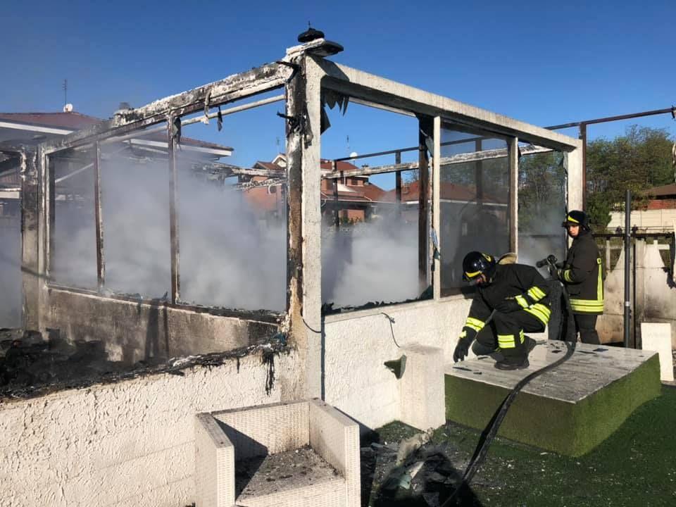 FELETTO - Incendio nella sede della Federazione Nazionale Calcio Balilla: «Speriamo prendano il responsabile del rogo» - FOTO