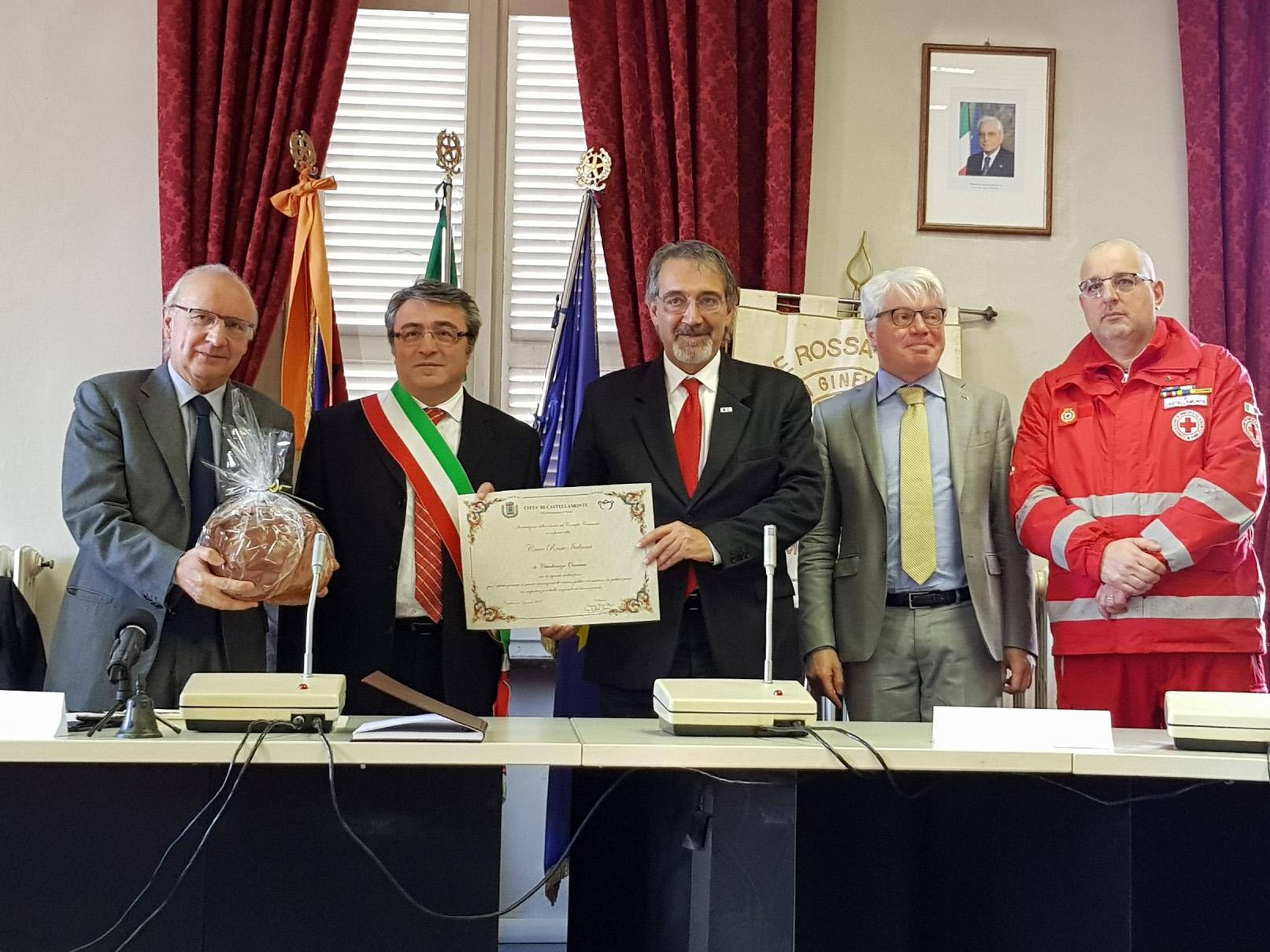 CASTELLAMONTE - Cittadinanza onoraria alla Croce Rossa sotto gli occhi dei genitori di Gloria Rosboch - FOTO e VIDEO