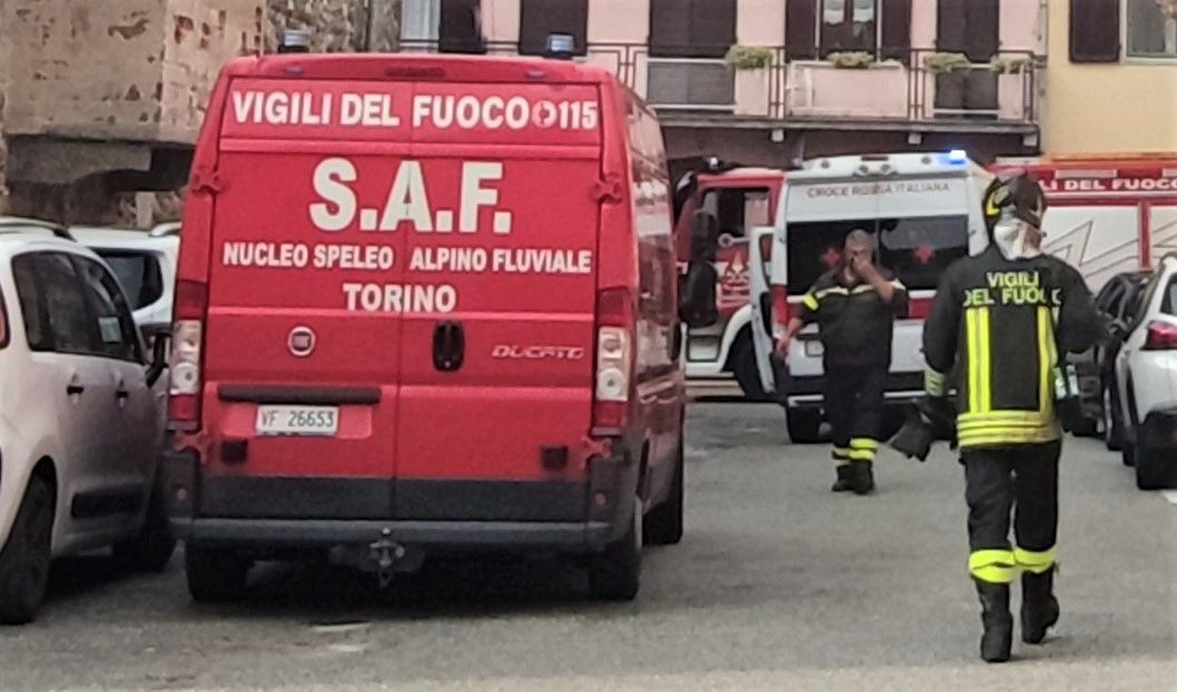 DRAMMA AL LAGO DI VIVERONE - Va a fare il bagno e muore annegato: recuperato il corpo dai vigili del fuoco