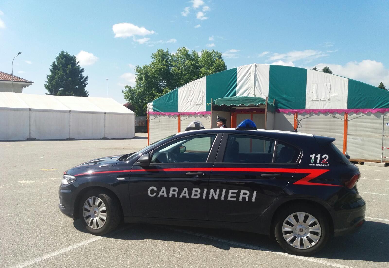 PAVONE CANAVESE - 49enne molesto aggredisce i carabinieri: arrestato per resistenza
