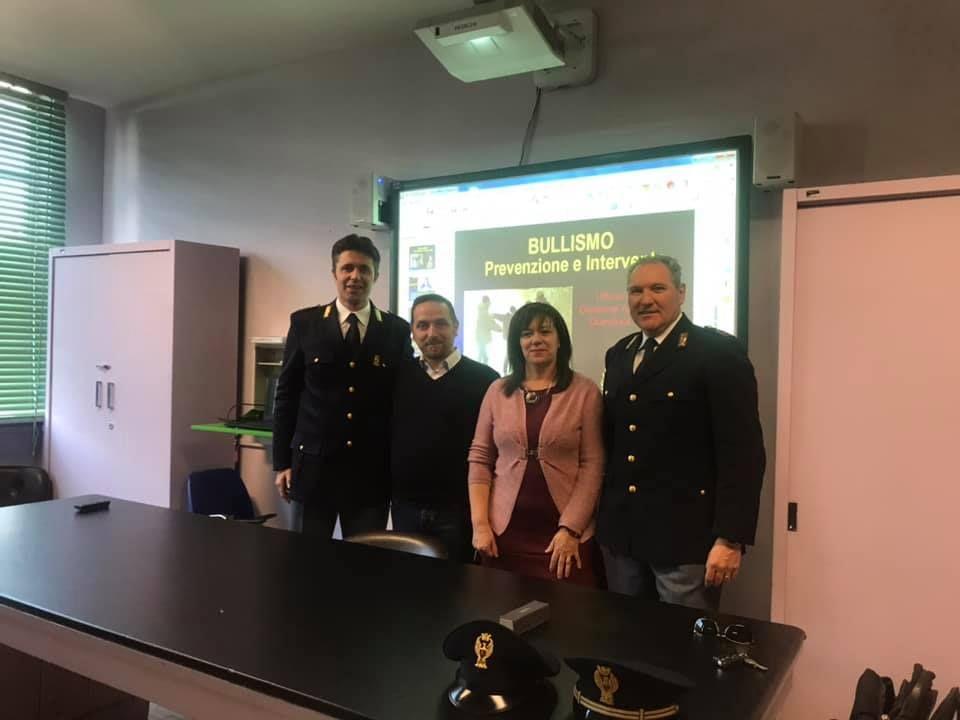 FAVRIA - A scuola lezione con sindaco e polizia contro il bullismo