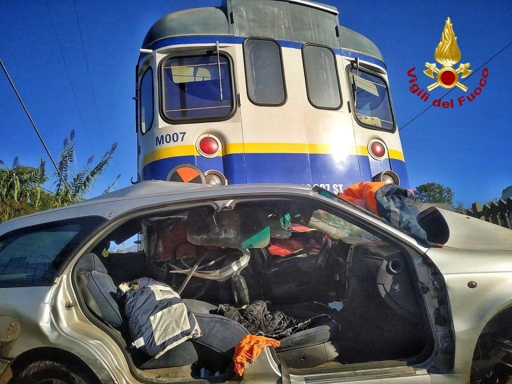 INCIDENTE FERROVIARIO VALPERGA - Indagini in corso, giovedì treni bloccati sulla linea Rivarolo-Pont Canavese - VIDEO
