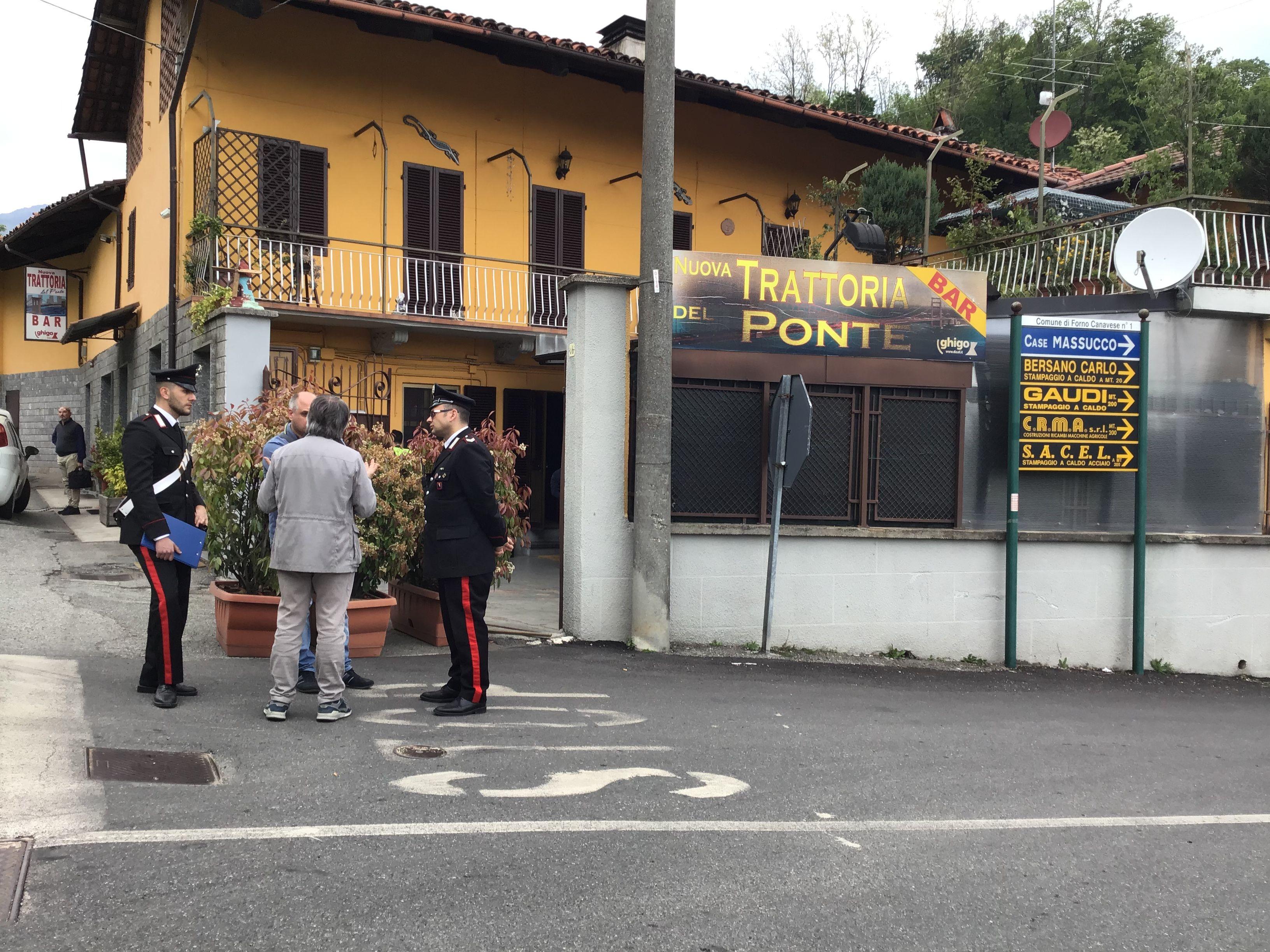 TRAGEDIA A RIVARA - Muore folgorato mentre sostituisce la macchina del caffè - FOTO