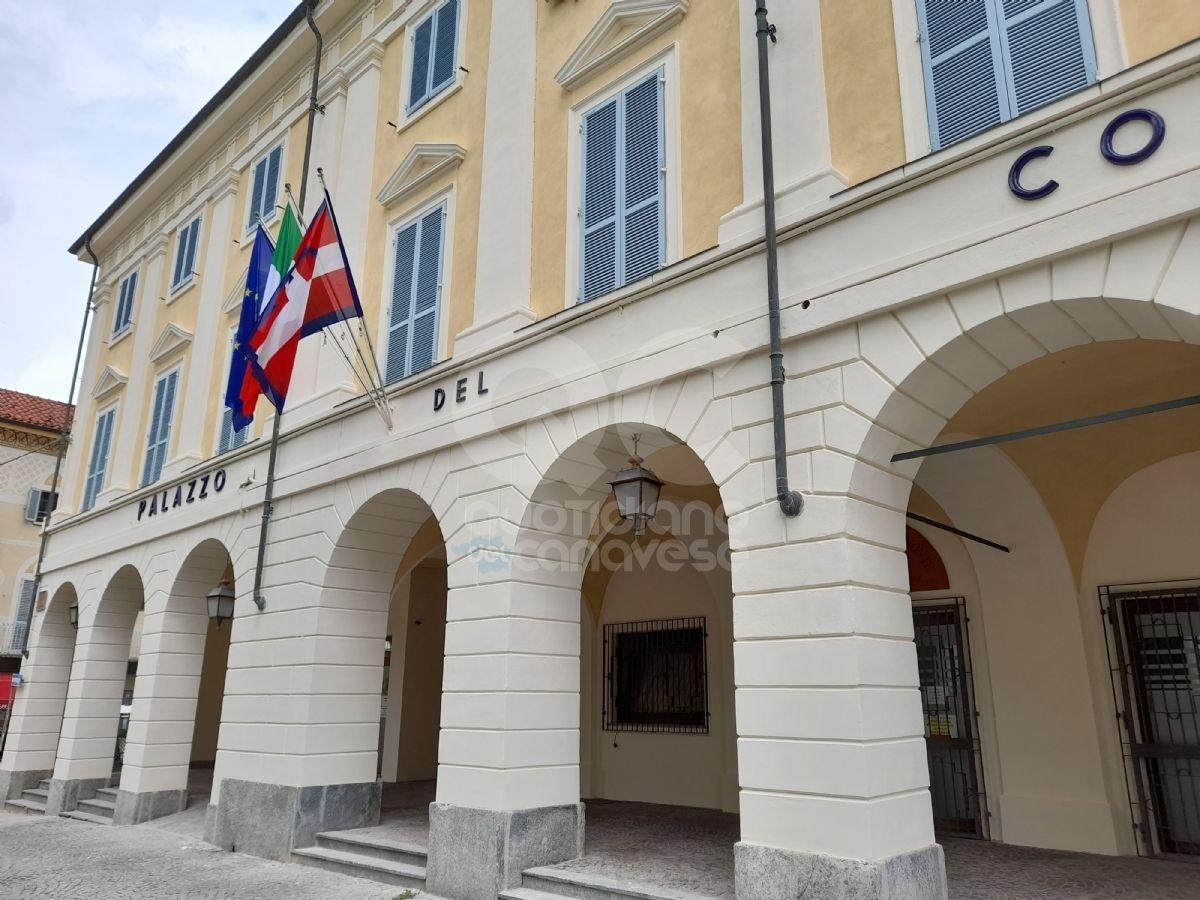 CASTELLAMONTE - Inizio scuola con polemiche, Mazza: «Dall'opposizione solo critiche sterili e pretestuose»