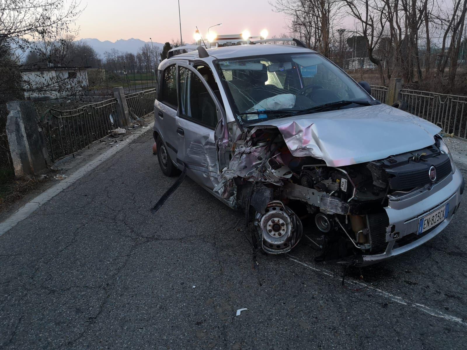 FELETTO-LUSIGLIE' - Incidente stradale, ferita una donna - FOTO