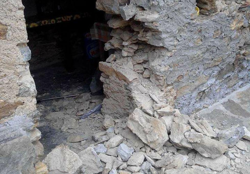 PRASCORSANO - Idioti devastano il rifugio Alpe Bellono - FOTO