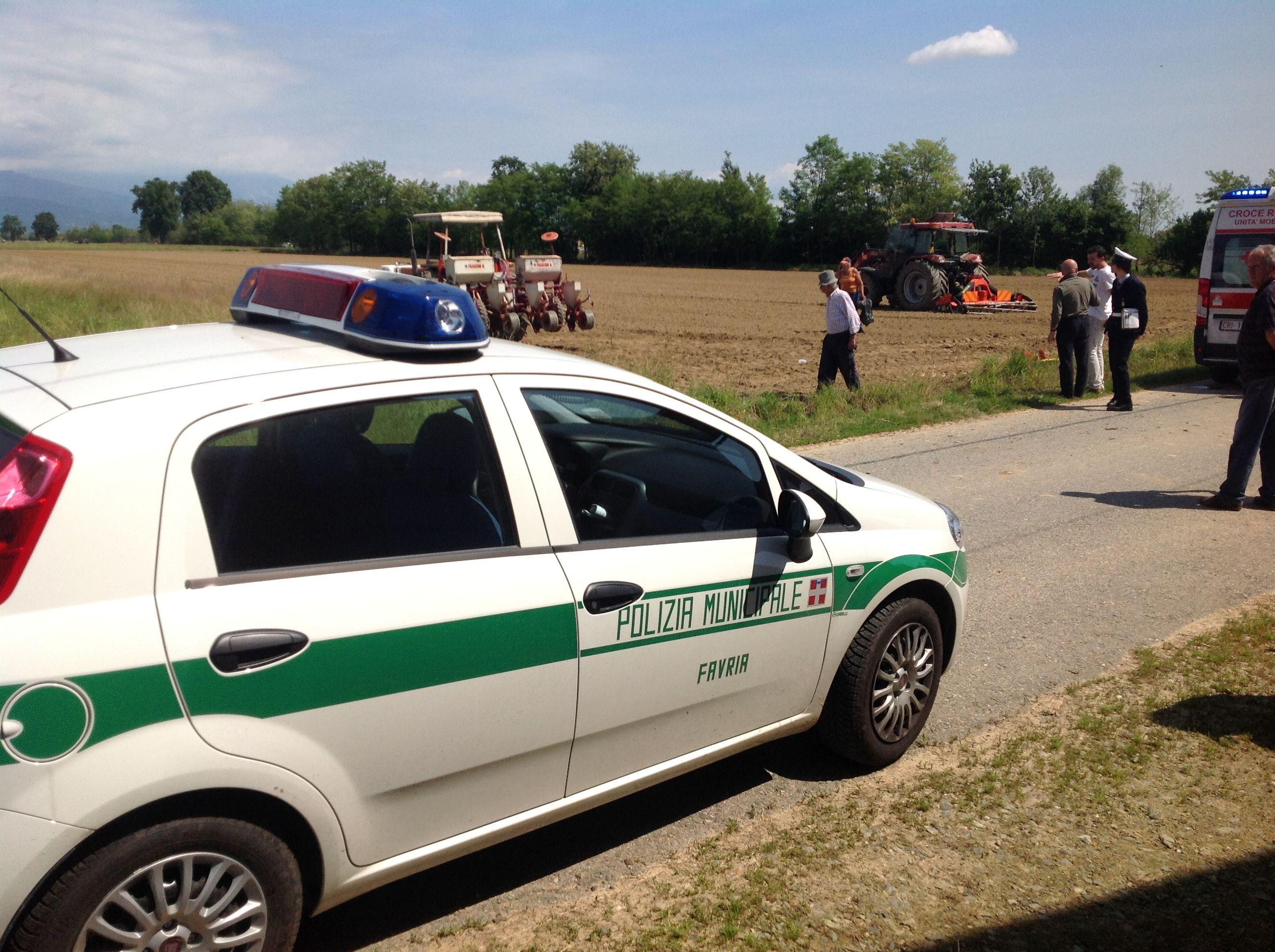 FAVRIA - Incidente sul lavoro: ferito un agricoltore di 42 anni - FOTO e VIDEO