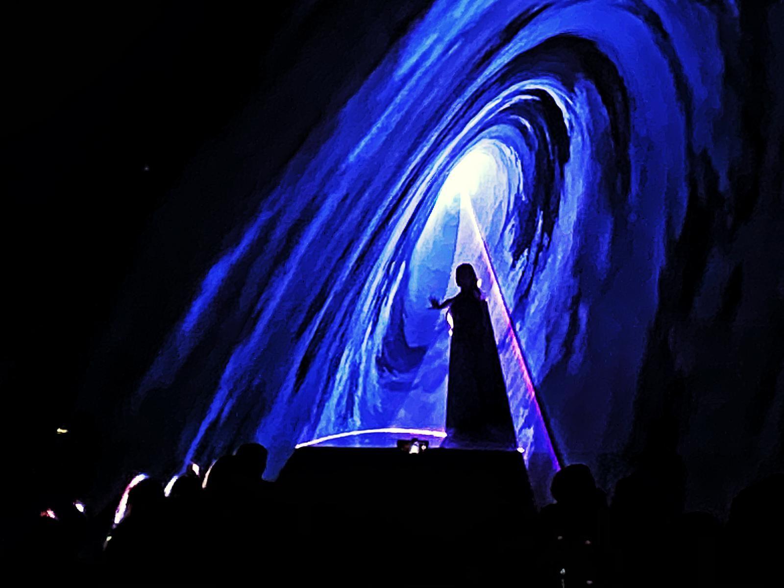 OZEGNA - Chiusura in grande stile con laser e danza per la patronale - VIDEO