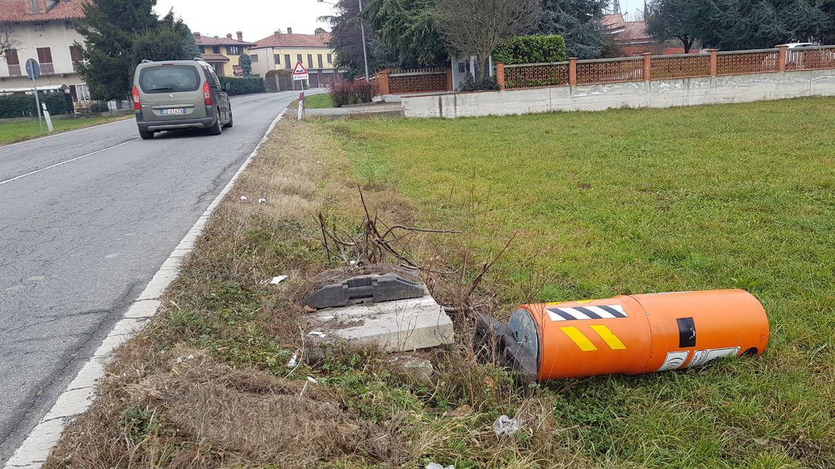 CASTELLAMONTE - Il finto autovelox di nuovo abbattuto: una vendetta?