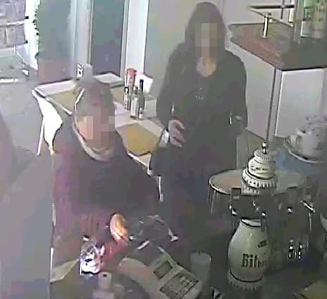 BORGARO - Due donne rubano i soldi al bar, il titolare mette le foto su Facebook - FOTO