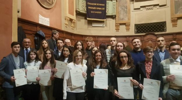 CALUSO - Una serie di premi per gli allievi del liceo Martinetti