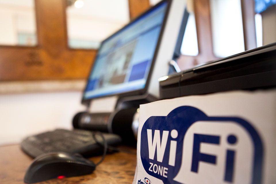 CANAVESE - In quattro Comuni arriva la rete wifi con internet gratis