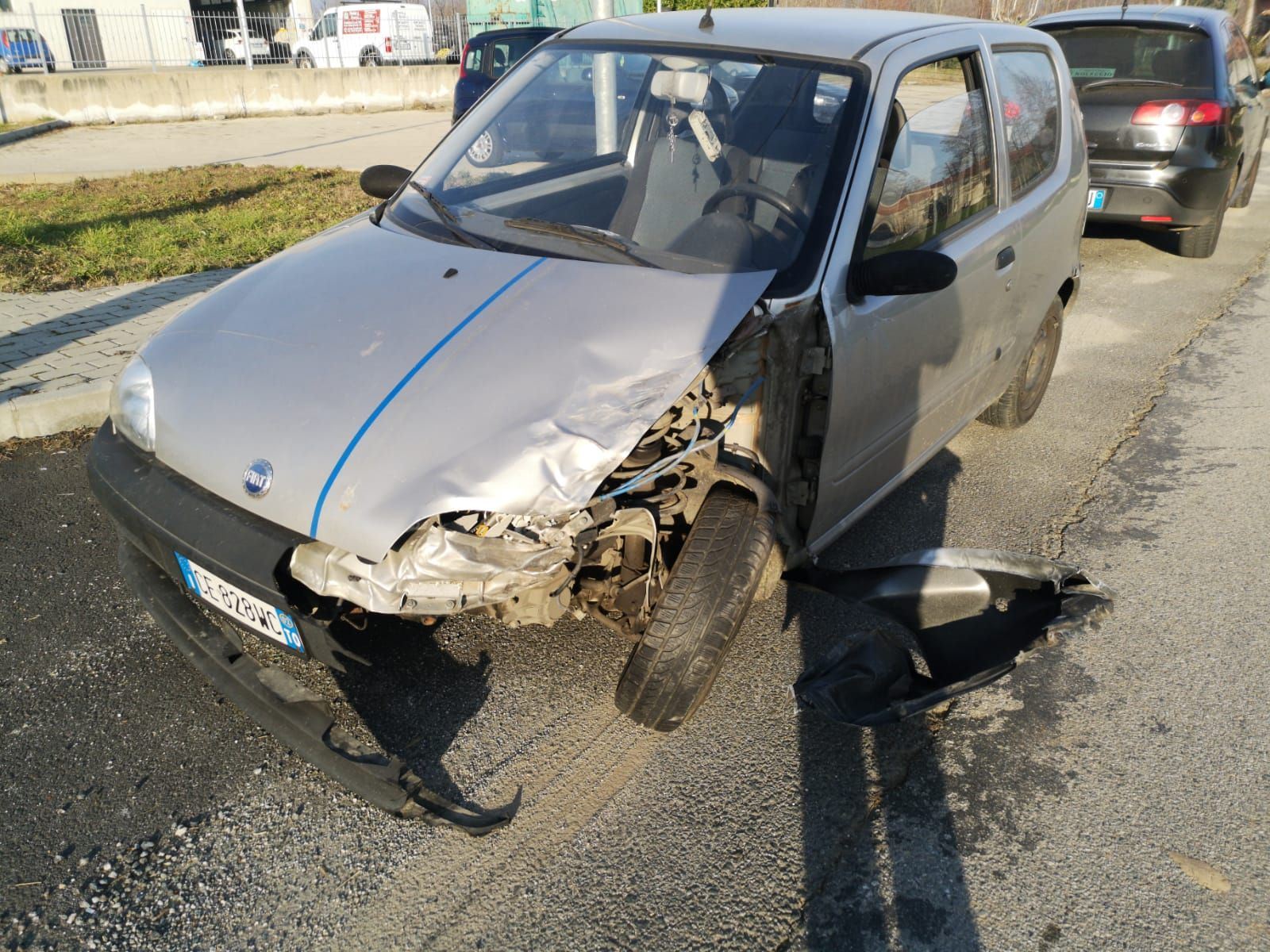 VALPERGA-CUORGNE' - Altri due incidenti sulla 460: un ferito - FOTO