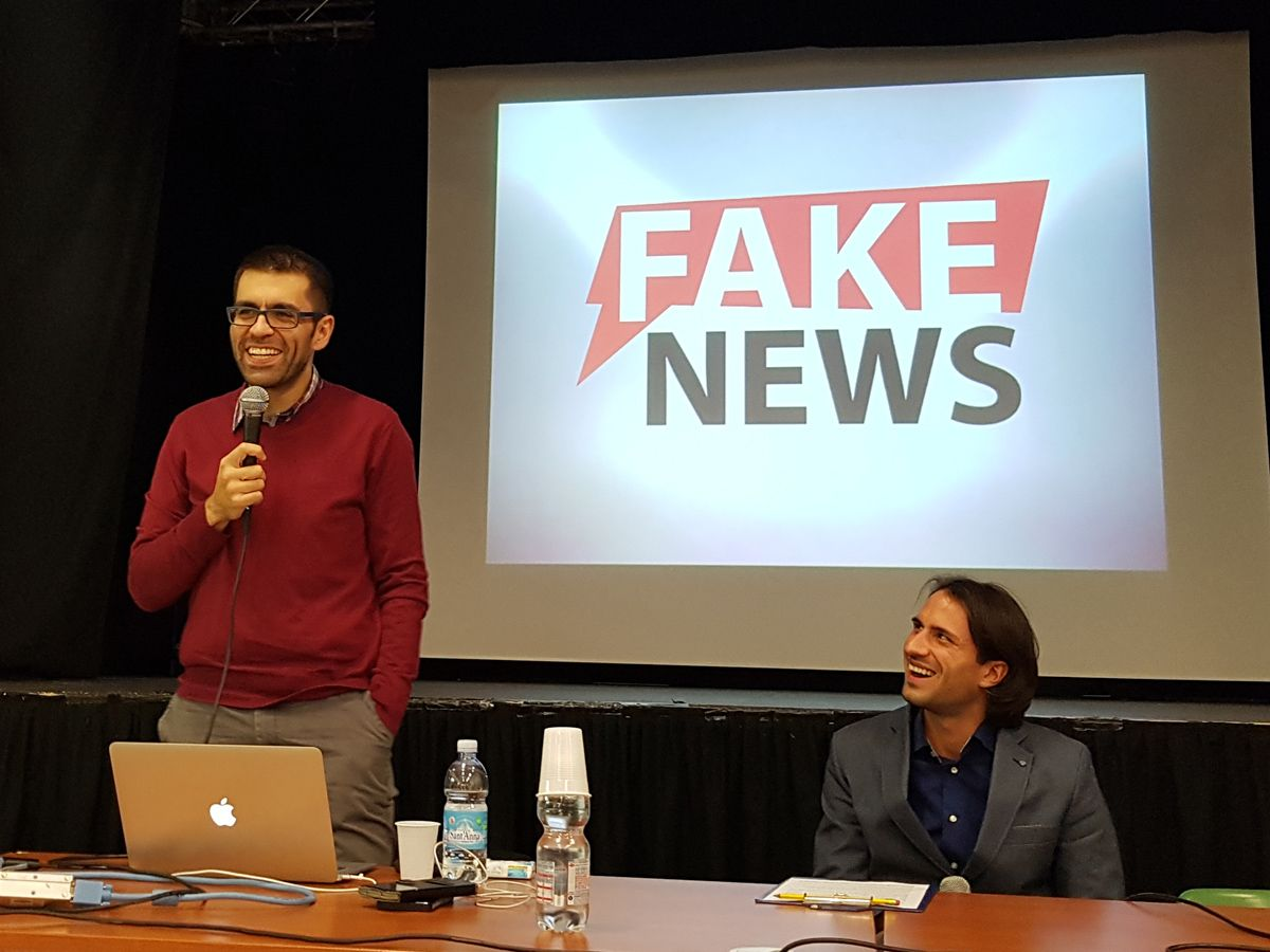 VOLPIANO - David Puente al lavoro contro bufale e fake news