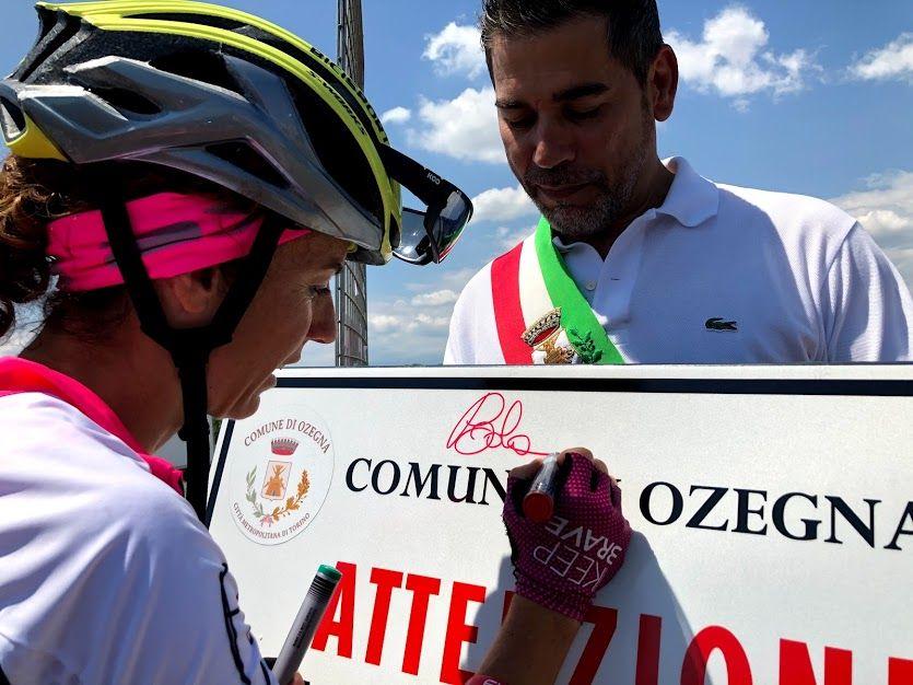 CANAVESE - Paola Gianotti ha chiuso a Ivrea il suo Giro del Piemonte per chiedere rispetto e sicurezza per i ciclisti - VIDEO