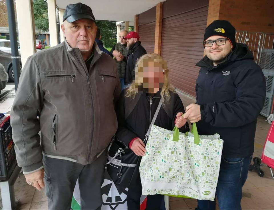 IVREA - Raccolta di generi alimentari: «Ma solo per le famiglie italiane»