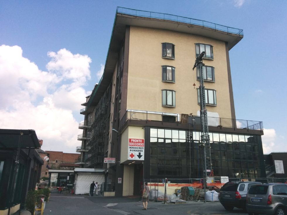 IVREA - Nuovo ascensore per l'ospedale: lunedi partono i lavori