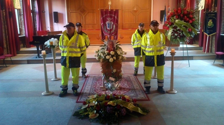 BRANDIZZO - Folla ai funerali del comandante dei vigili urbani - FOTO