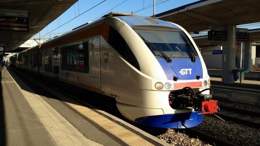 CANAVESANA - Bonus treni, ancora sconti per i pendolari abbonati