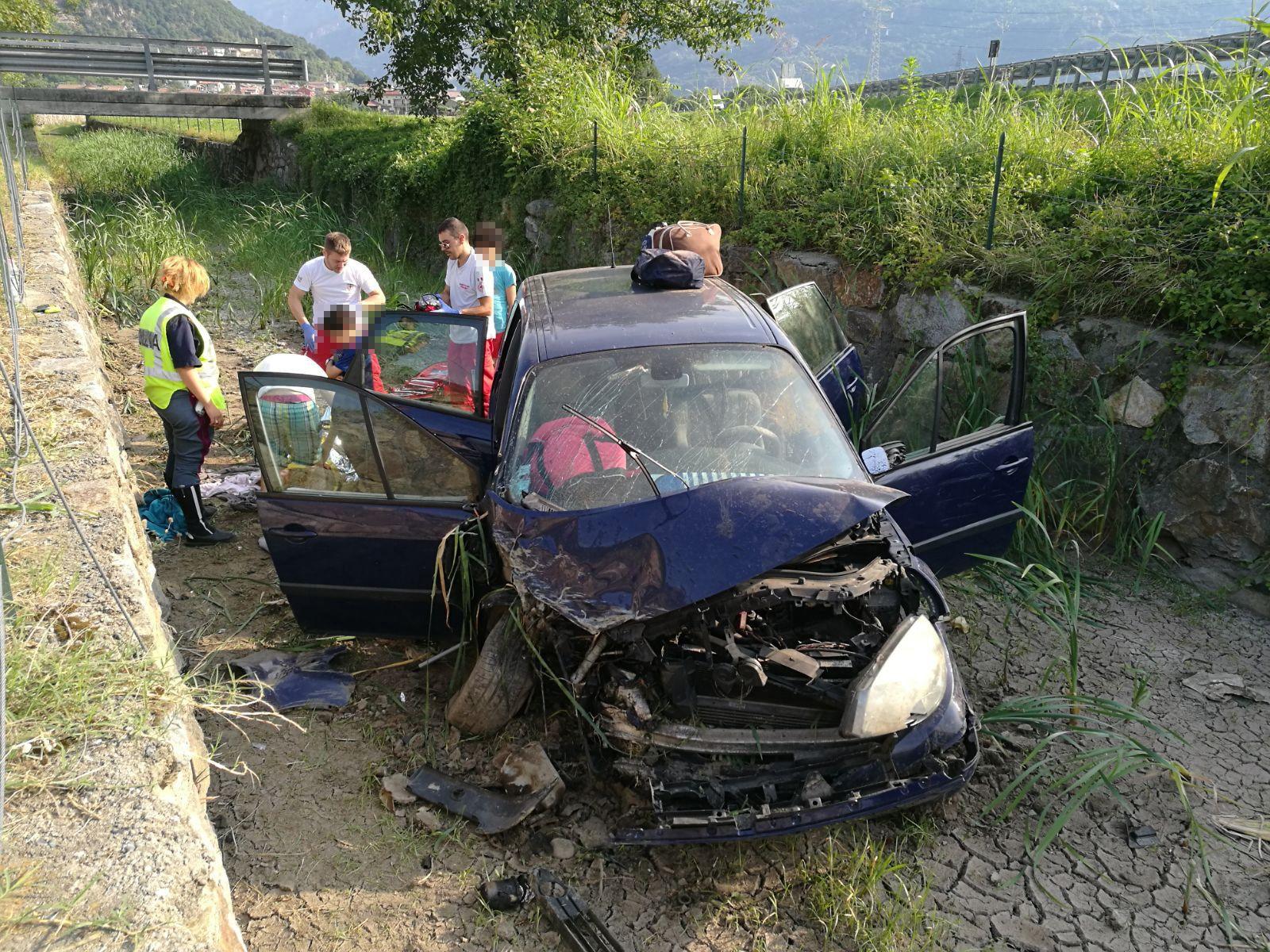 AUTOSTRADA A5 - Quattro bambini coinvolti nell'incidente stradale tra Quincinetto e Ivrea. Grave la mamma - FOTO