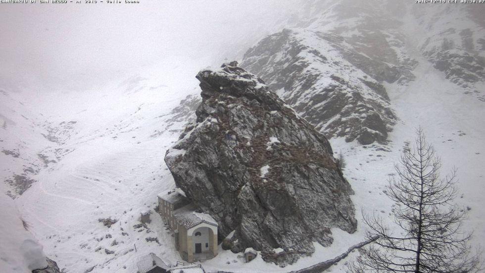 METEO CANAVESE - Giornata all'insegna della neve, forse anche a bassa quota - FOTO