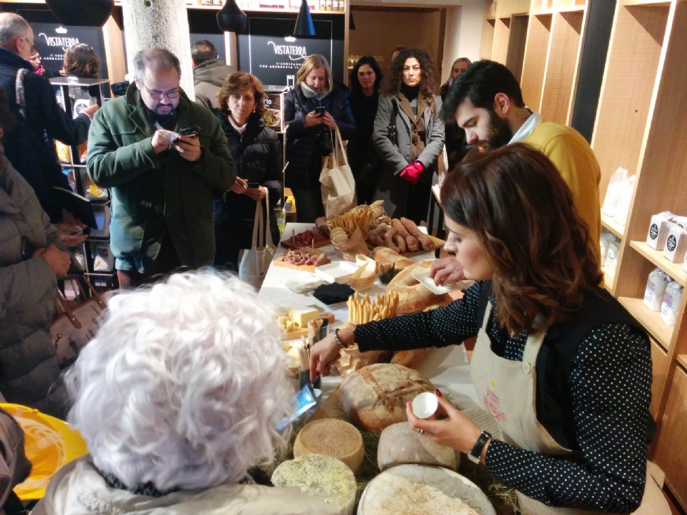 PARELLA - Centro termale, hotel, ristoranti e botteghe: Manital investe sul turismo in Canavese - FOTO