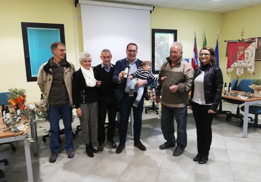 SETTIMO VITTONE - Dove nasce l'olio d'oliva «Made in Canavese»: un progetto esemplare nel frantoio di comunità