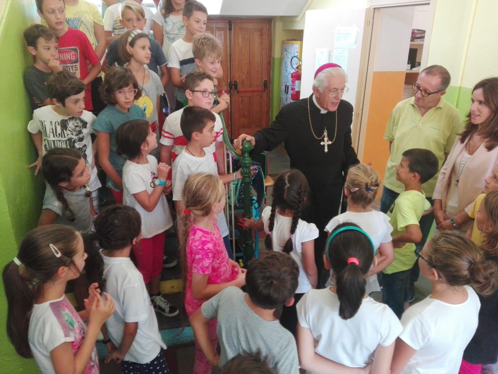 CUORGNE' - Visita del vescovo Cerrato alle scuole di Priacco e Salto - FOTO