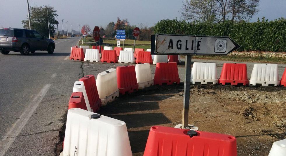 AGLIE' - Dopo otto anni di proteste e 100 incidenti, partono i lavori per la nuova rotonda sulla provinciale - FOTO