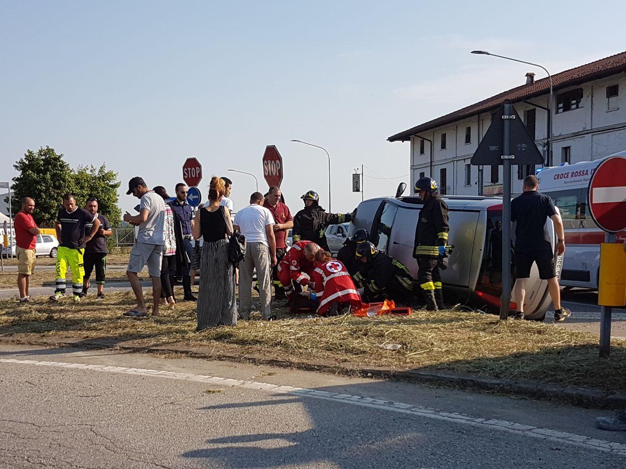 BOSCONERO - Ennesimo incidente alla borgata Vittoria sulla ex460