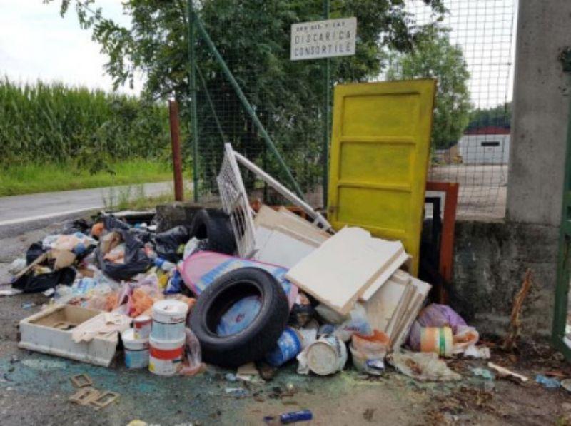 RIVAROLO - Ancora maiali in azione: il conto se lo paga il Comune