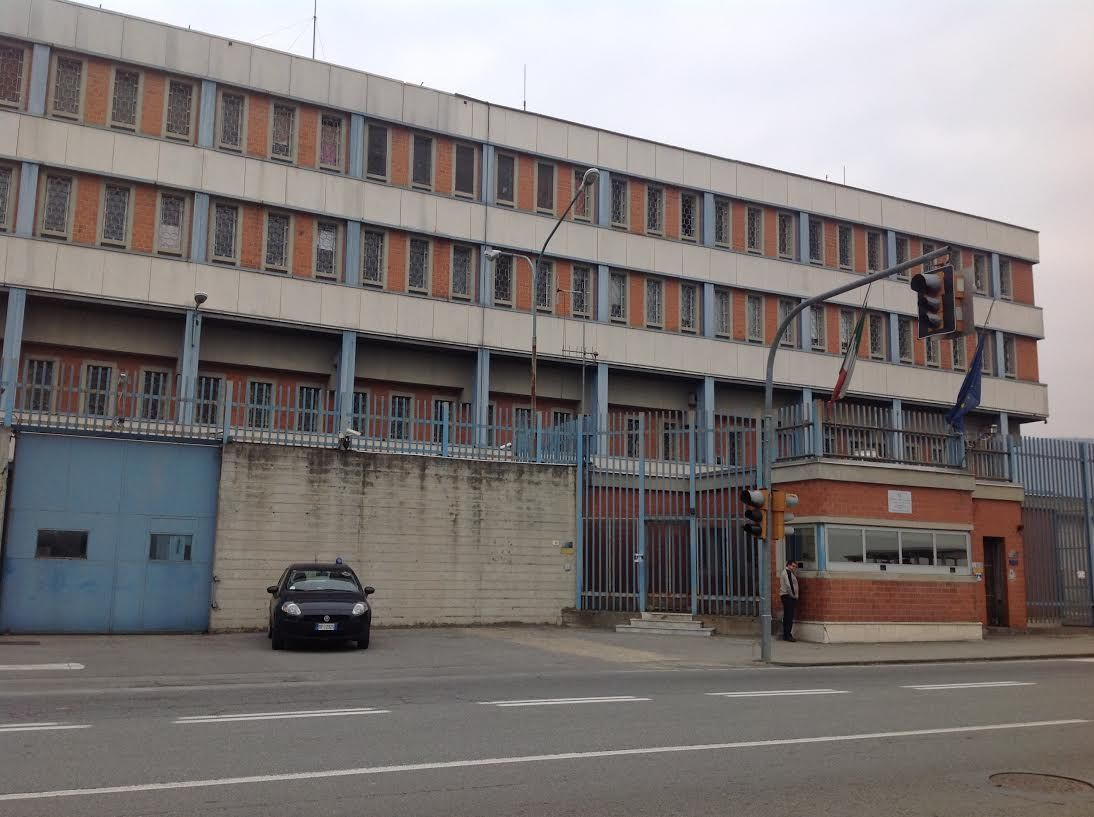 IVREA - Carcerato tenta di impiccarsi: lo salva la polizia penitenziaria