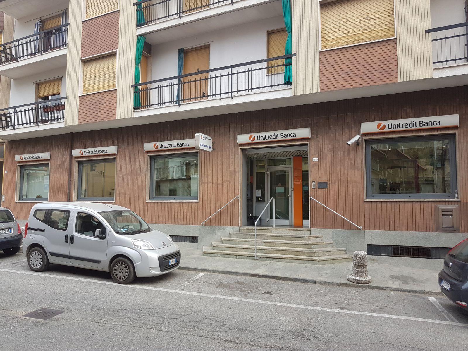 VALPERGA - Unicredit chiude il servizio di cassa dell'unica banca
