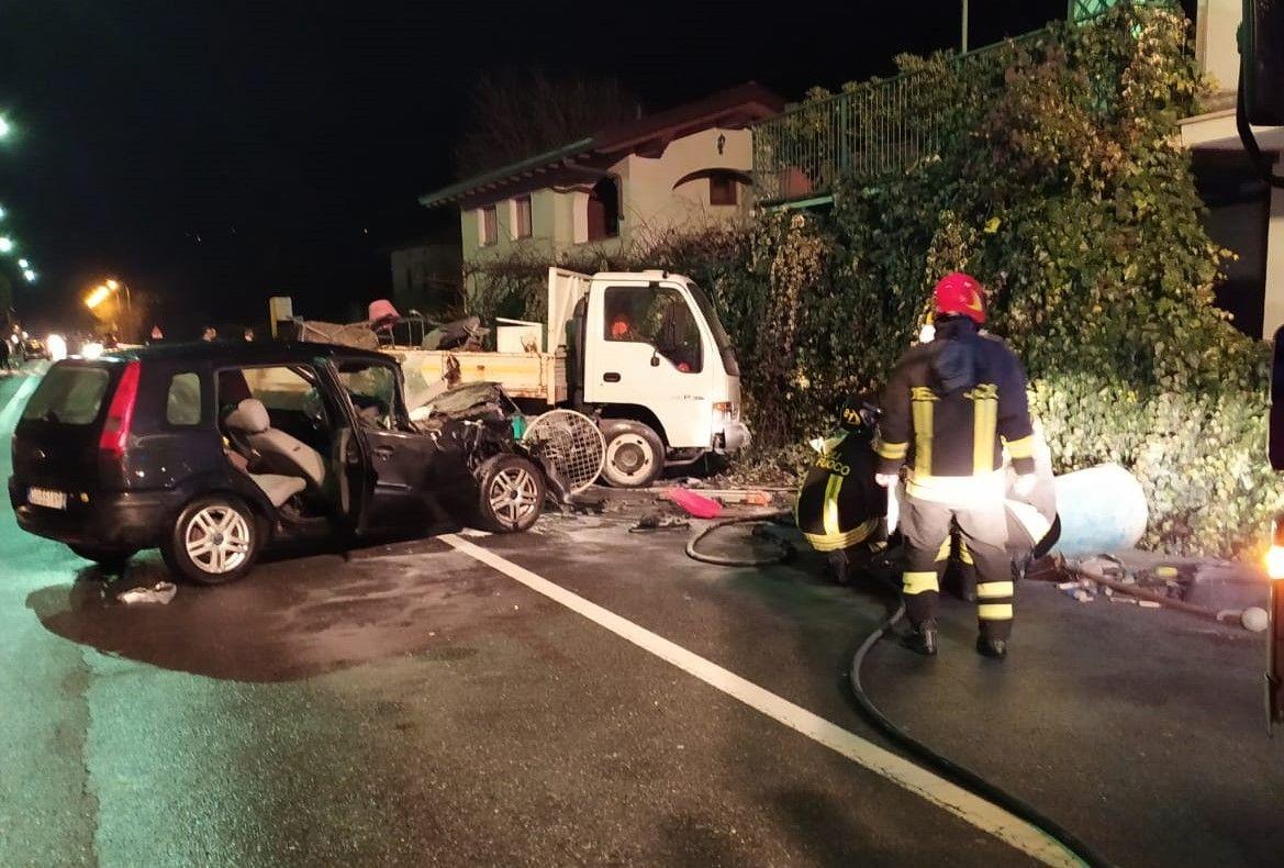 MONTALTO DORA - Guida ubriaco, provoca un incidente e scappa: denunciato dai carabinieri per omissione di soccorso - FOTO