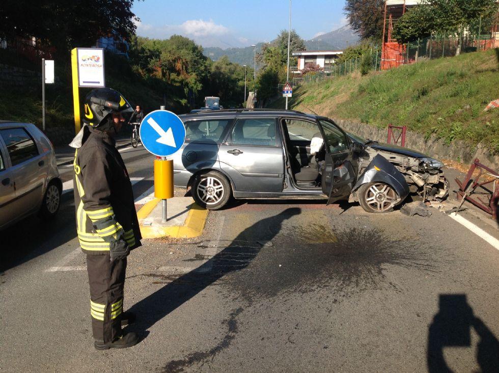 IVREA - Incidente stradale: una donna ferita - FOTO e VIDEO
