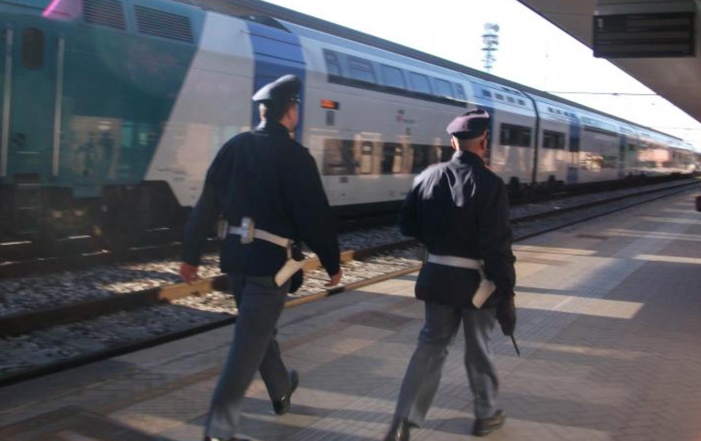 DRAMMA SULLA FERROVIA - Treno investe e uccide un ragazzo a Quincinetto: aveva solo 19 anni