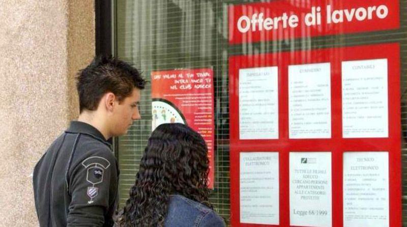 CHIVASSO - Trovare lavoro da casa: nasce il centro per l'impiego virtuale
