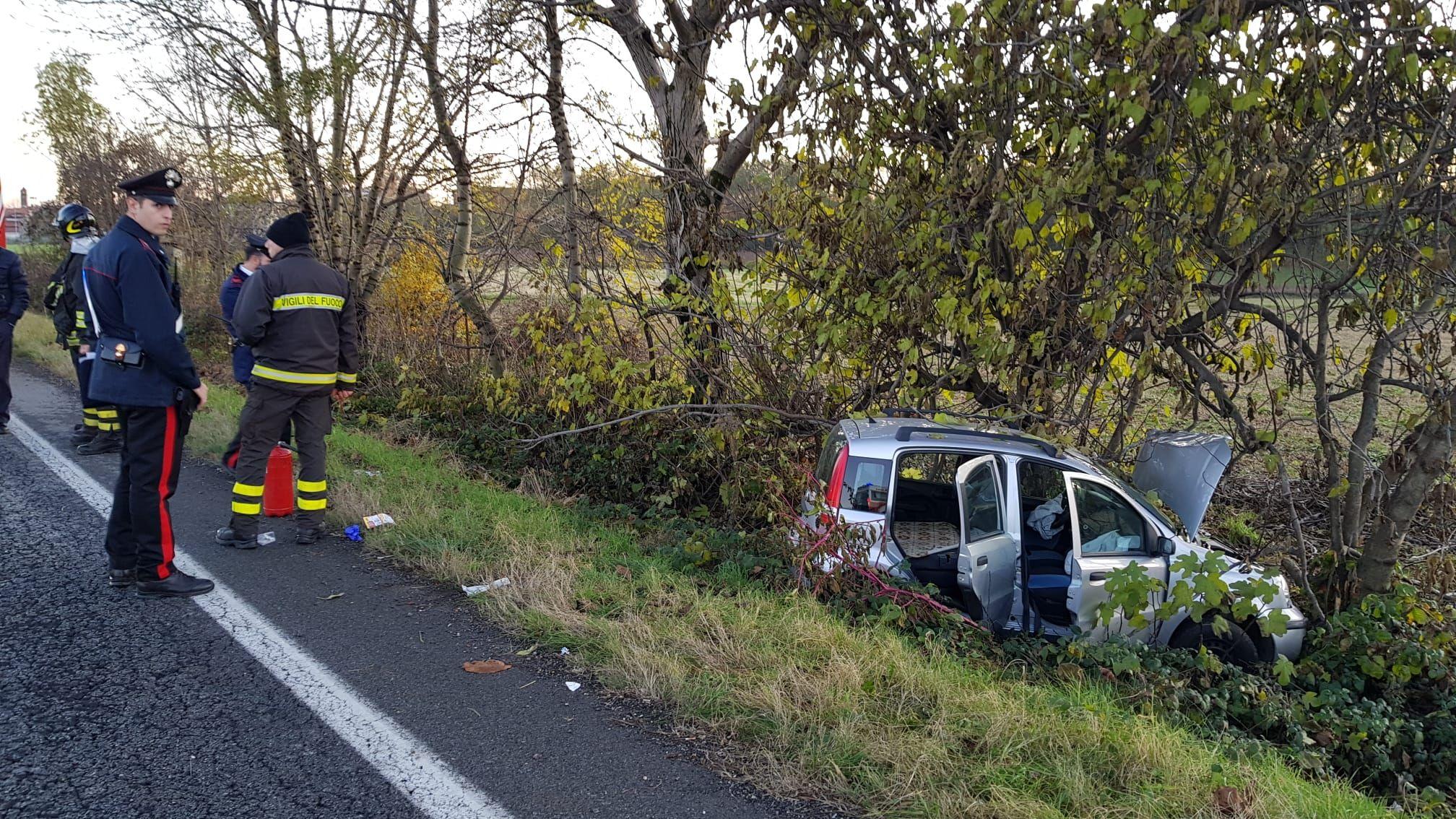 VALPERGA-SALASSA - Incidente sulla 460: 86enne perde il controllo della vettura e si schianta fuori strada - FOTO e VIDEO
