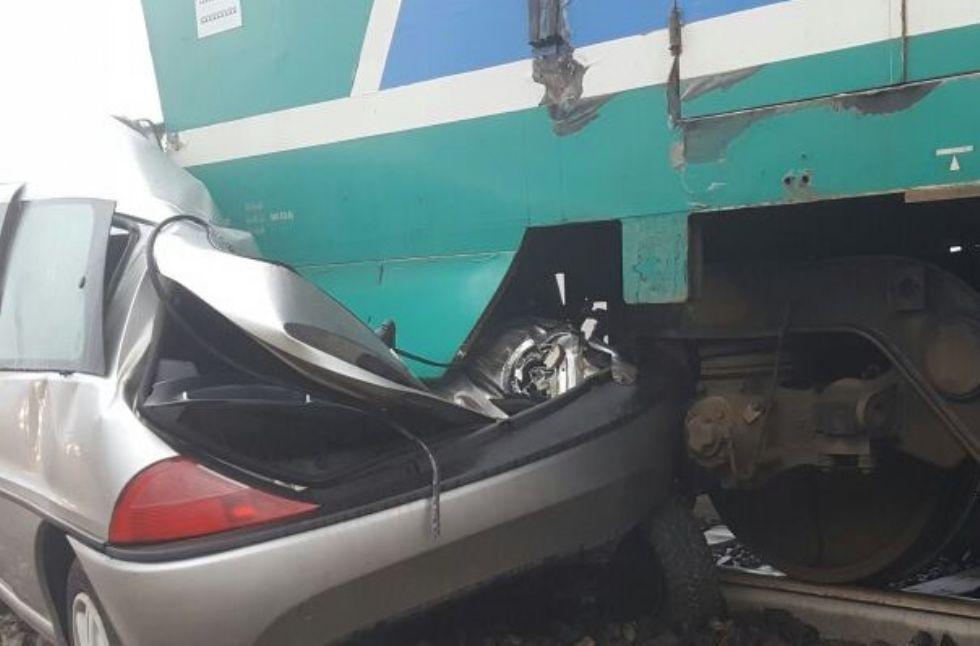 INCIDENTE FERROVIARIO SULLA CHIVASSO-IVREA-AOSTA - La proprietaria dell'auto era ubriaca: denunciata dai carabinieri