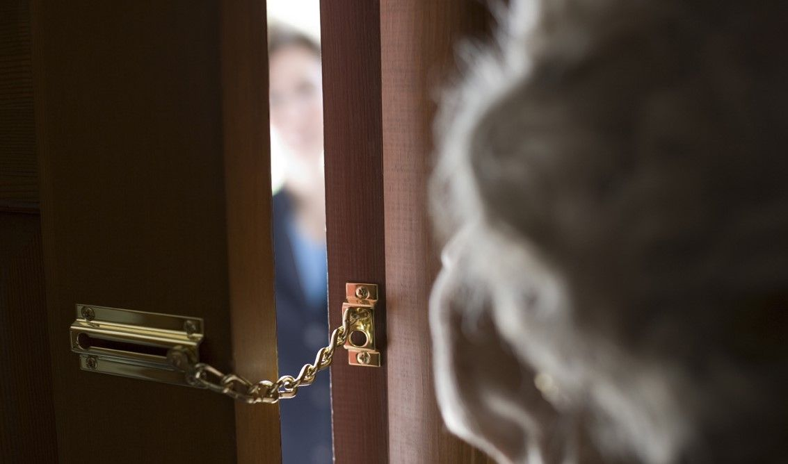 FORNO-PONT - Finto vigile e tecnico Smat truffano gli anziani