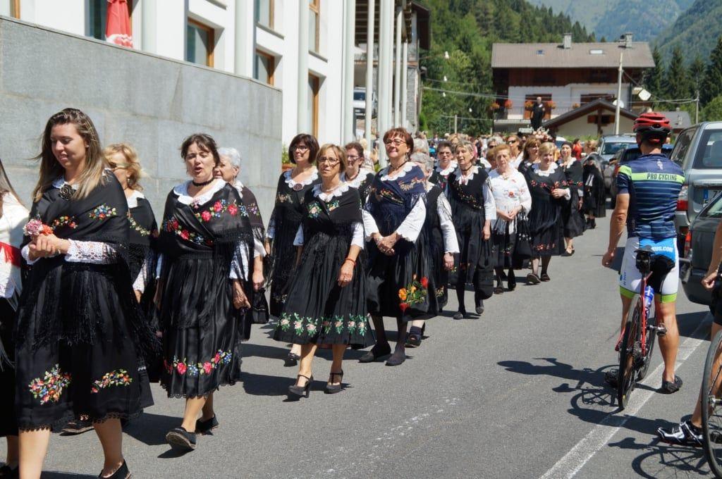 RONCO CANAVESE - Festa patronale, il Comune invita i cittadini ad indossare il costume tradizionale