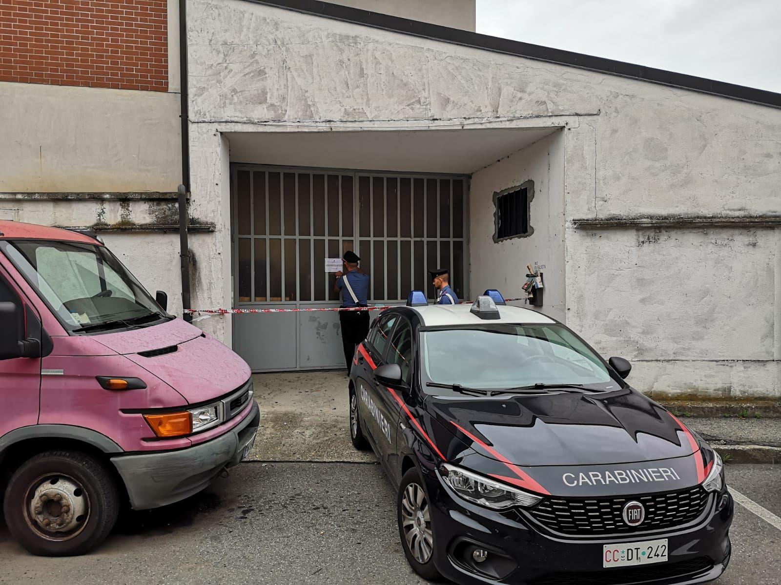 CIRIE' - Laboratorio clandestino realizzava vestiti sfruttando i dipendenti: titolare cinese arrestato dai carabinieri - FOTO E VIDEO