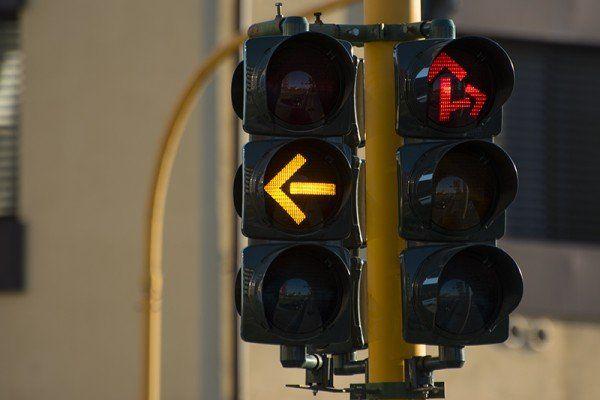LEINI - Nuovo semaforo in via Lombardore con il T-red