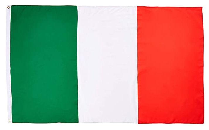 CORONAVIRUS - Il tricolore dai balconi come simbolo dell'unità nazionale