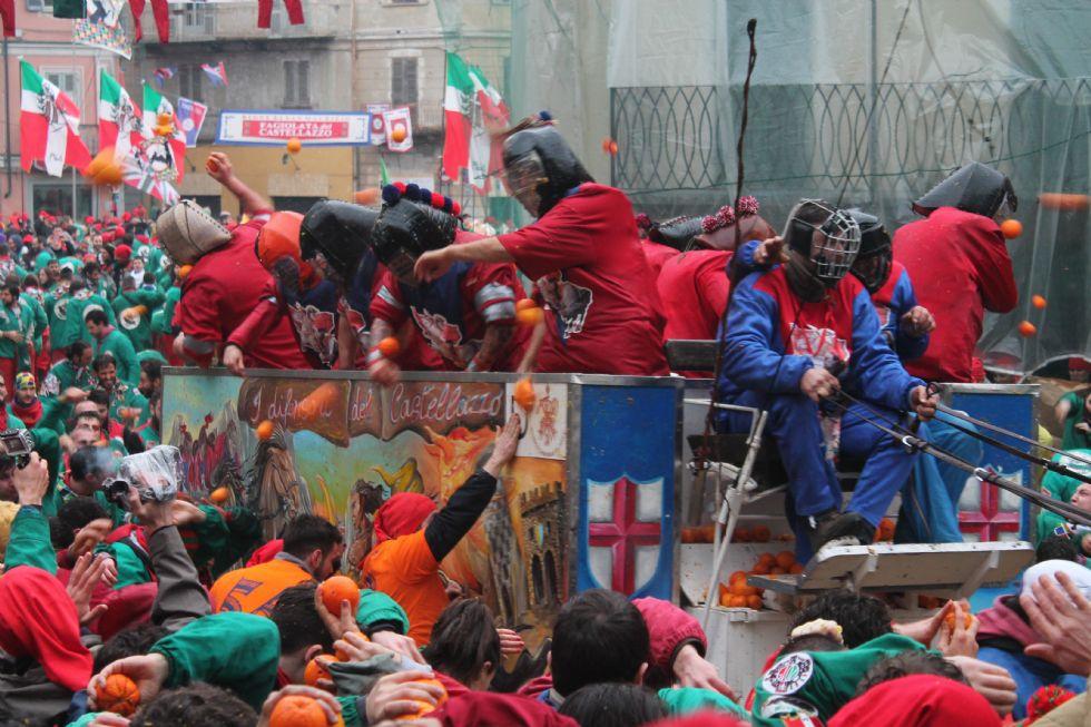 IVREA - Terrorismo e sicurezza pubblica: per lo Storico Carnevale un'edizione «blindata»