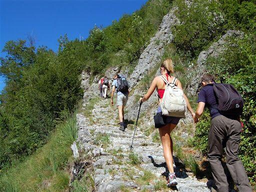 CANAVESE - Soldi per rimettere in sesto i percorsi escursionistici