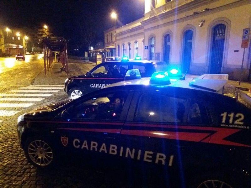 IVREA - Ubriaco rifila una testata ad un carabiniere: arrestato
