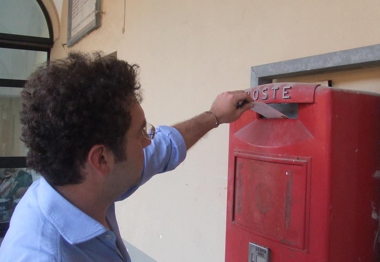 RONCO CANAVESE - Il sindaco, furente, scrive a Poste Italiane